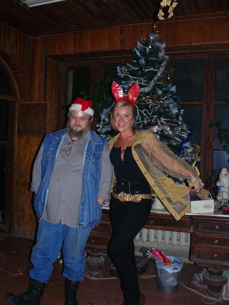 Санта и Снегурка
