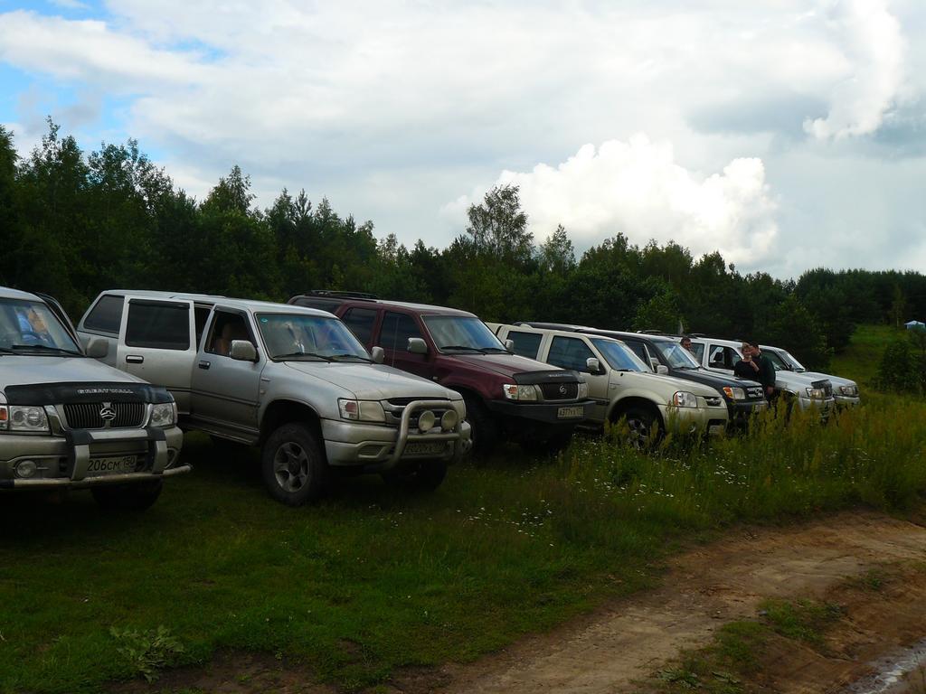 Паркуемся у лагеря